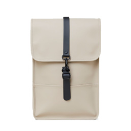 Le bag original Rains Backpack mini Beige l'imperméable basic incontournable chez Atalante - Antibes