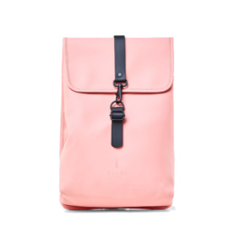 Le bag original Rains Backpack Rucksack Coral l'imperméable basic incontournable chez Atalante - Antibes