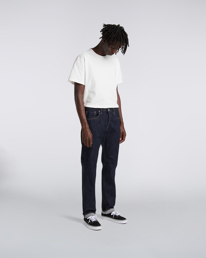 regular-tapered-jeans-blue-rinced-front-worn