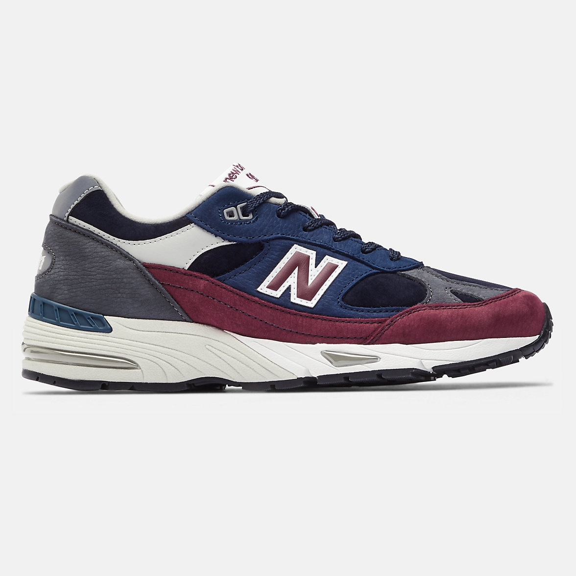 new-balance-made-in-uk-991-black-with-red-side-1