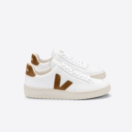 veja-v-12-leather-white-camel-side