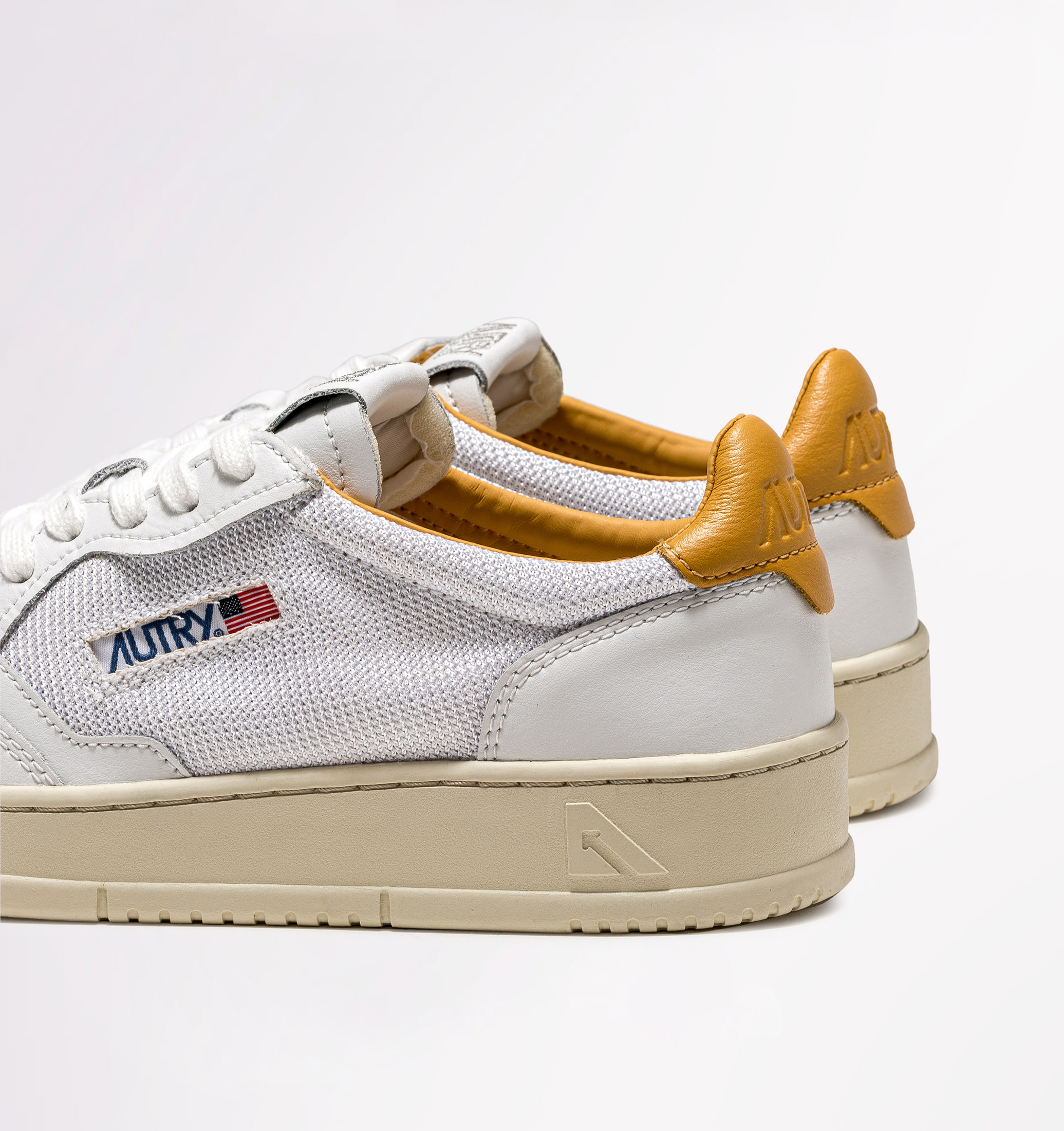 autry-01-low-leather-kevlar-white-gold-back