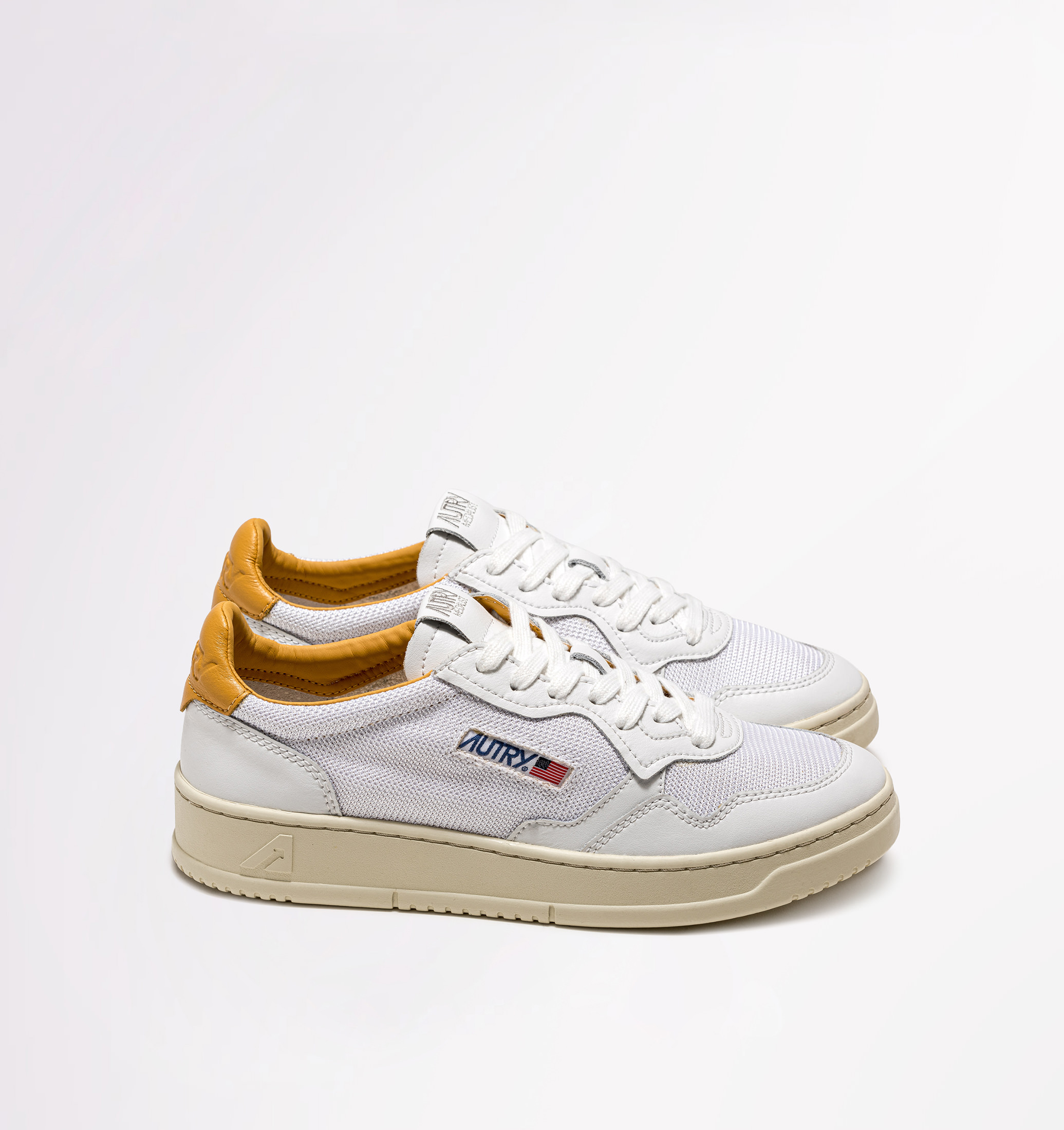 autry-01-low-leather-kevlar-white-gold-side-both