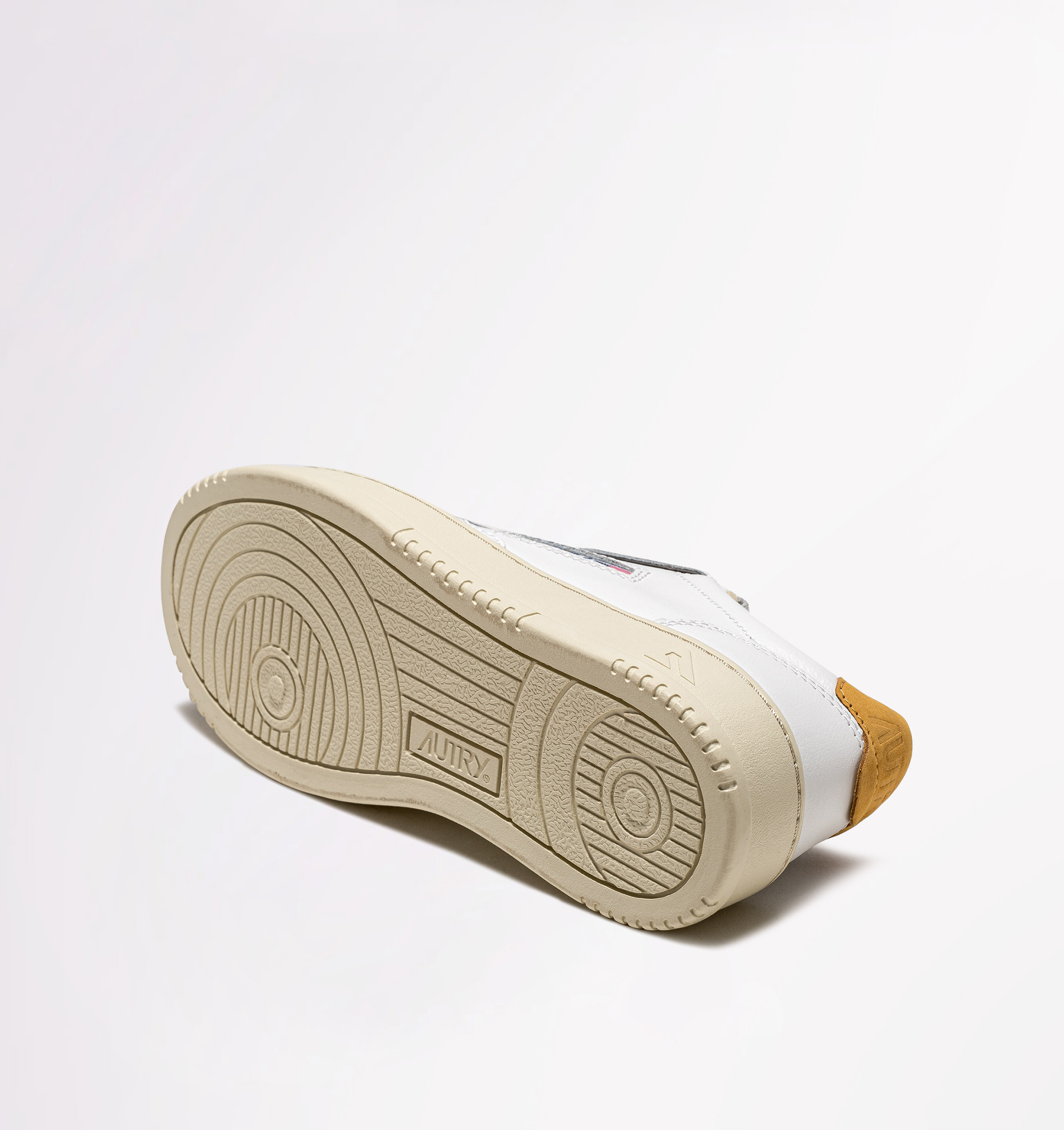autry-01-low-leather-nubuck-white-gold-sole