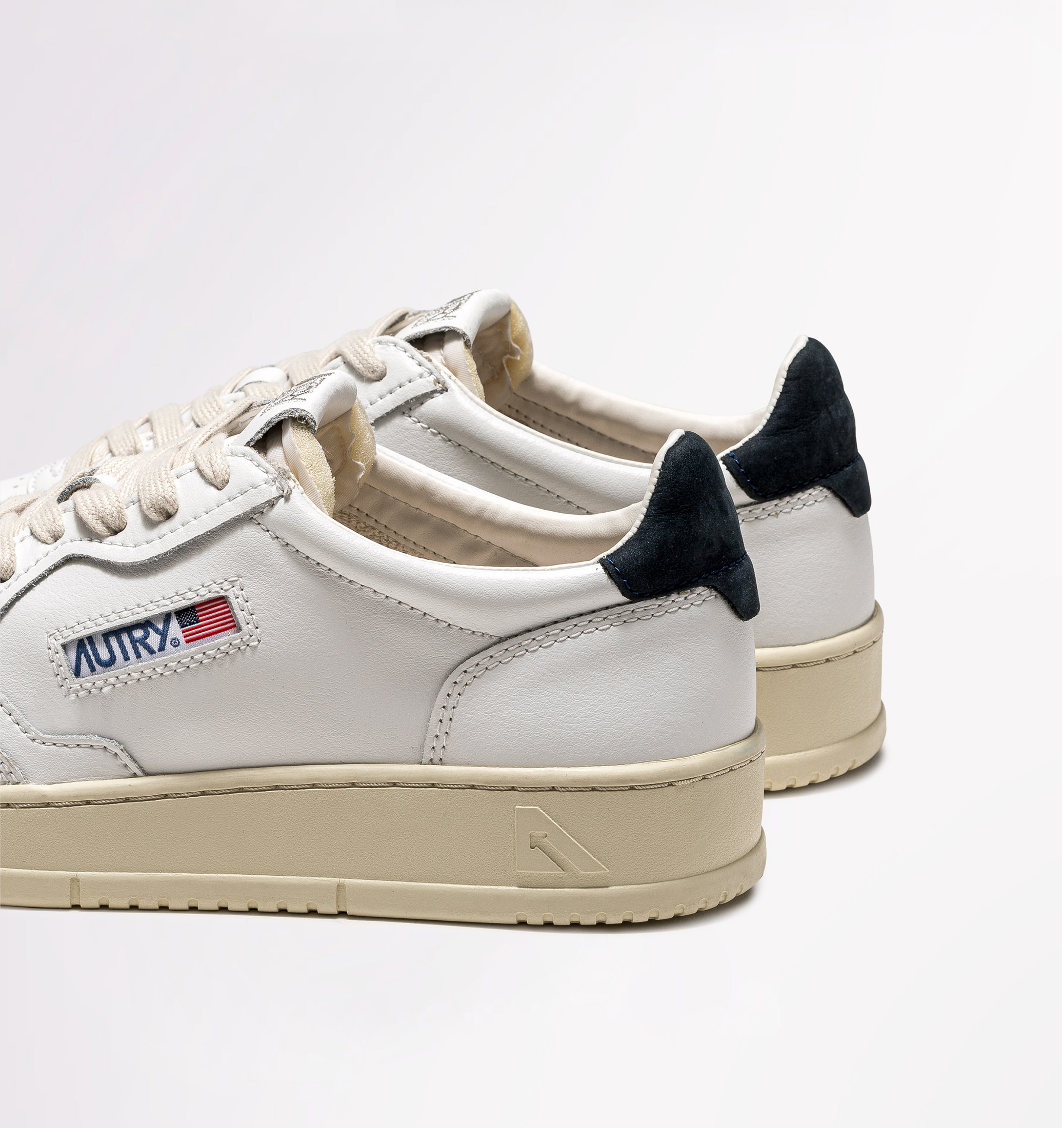autry-01-low-leather-nubuck-white-space-back