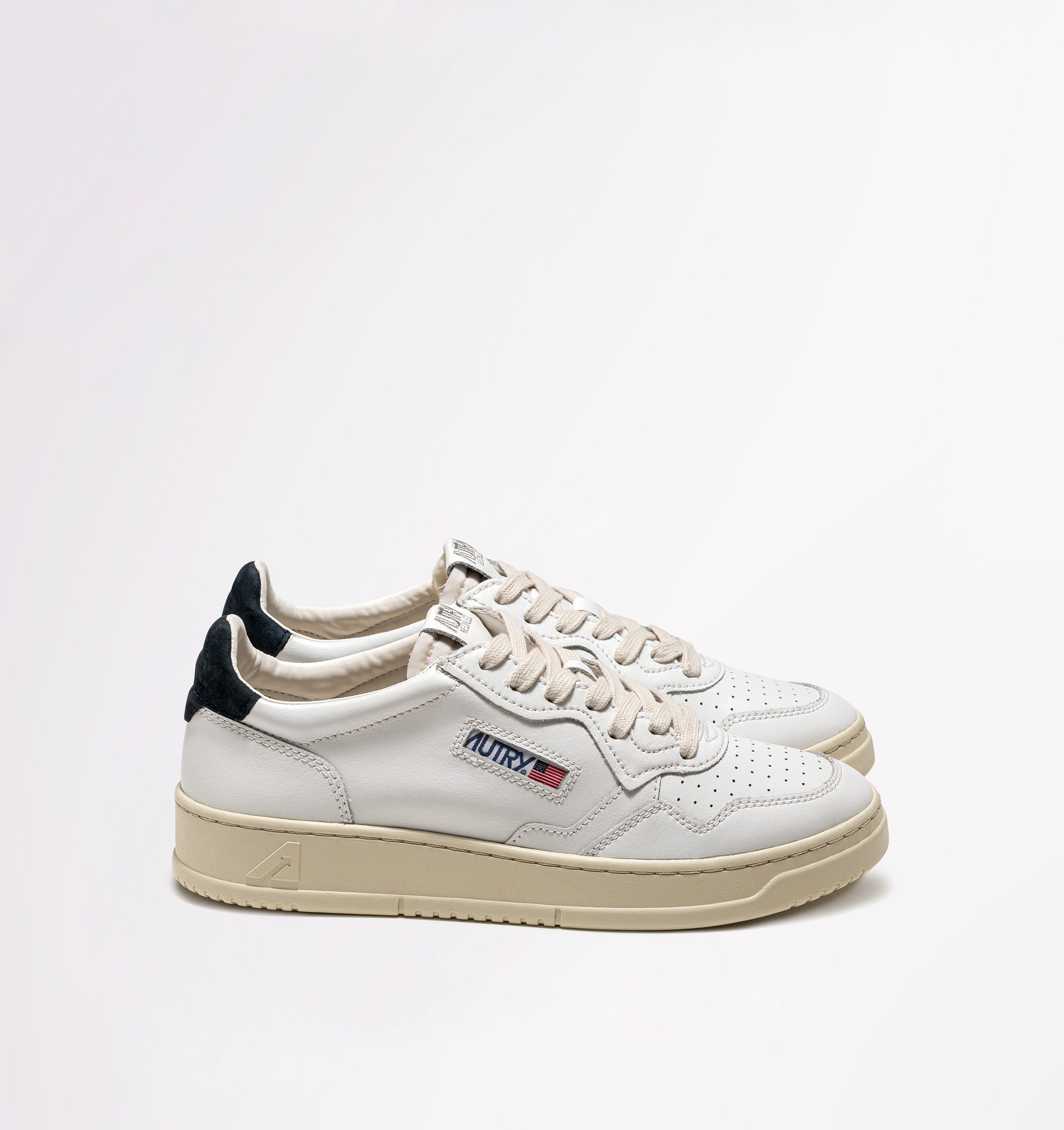 autry-01-low-leather-nubuck-white-space-side-both