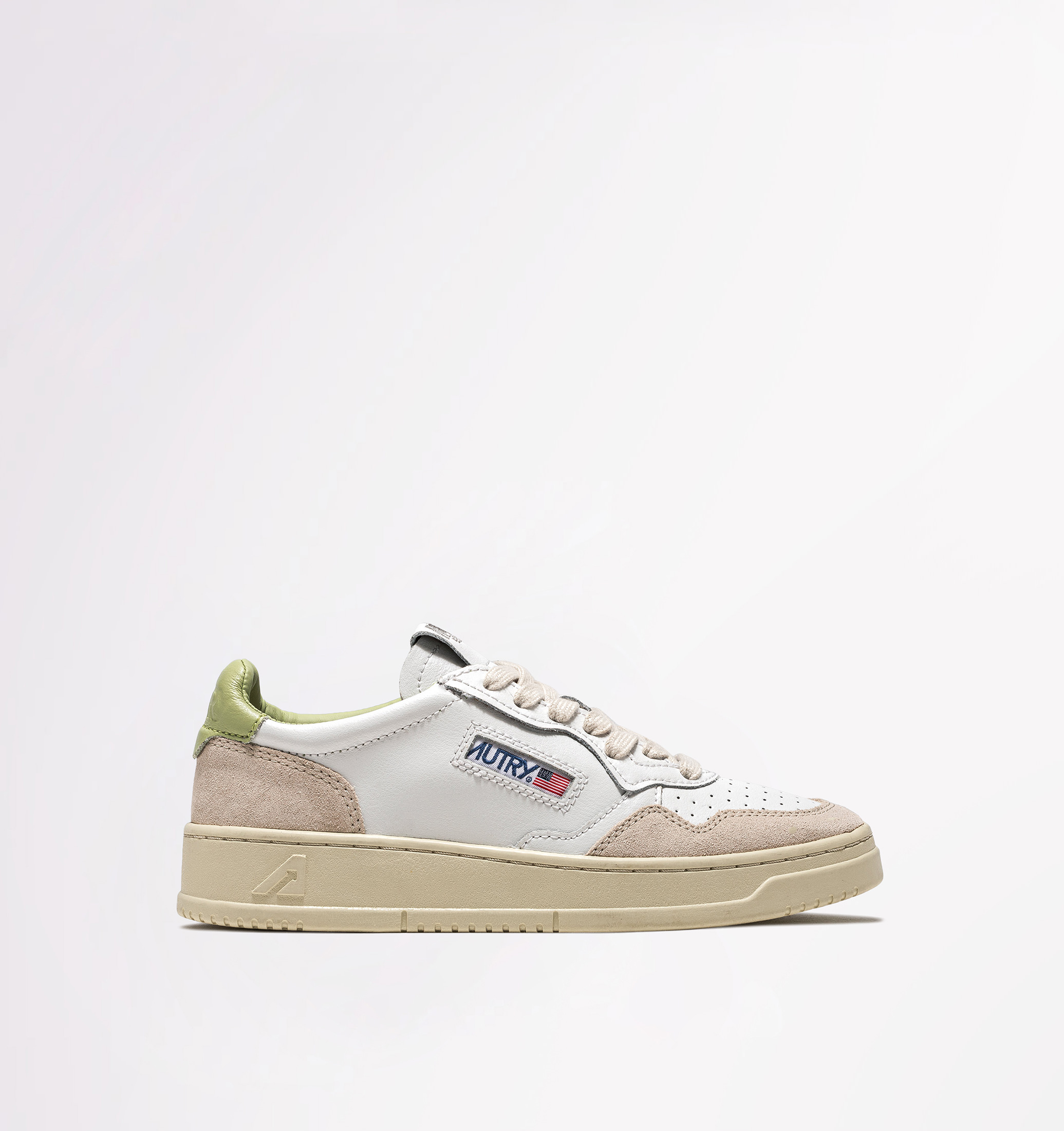 autry-01-low-leather-suede-white-nile-side